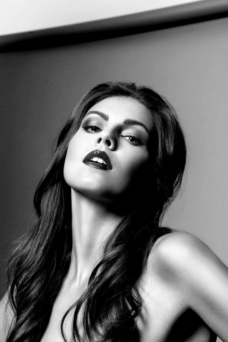 Copyrigh-Angela-M-Schlabitz-2019-Marina-Geckeler-Portrait-Fine-art-beauty-portrait-DSC0888-web